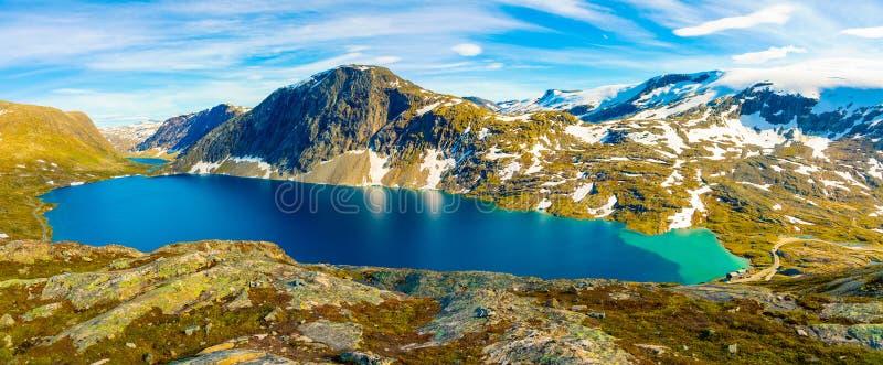 Panorama jeziorny Djupvatnet na drodze wspinać się Dalsnibba, Norwegia zdjęcie royalty free