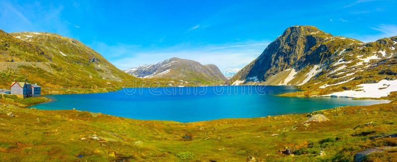 Panorama jeziorny Djupvatnet na drodze wspinać się Dalsnibba, Norwegia zdjęcia royalty free