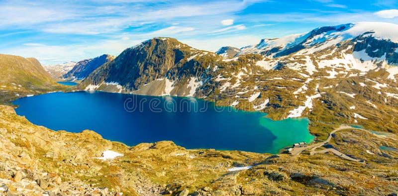 Panorama jeziorny Djupvatnet na drodze wspinać się Dalsnibba, Norwegia obrazy royalty free