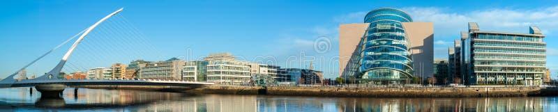 Panorama konwenci Centre i Samuel Beckett most w Dubli obrazy stock