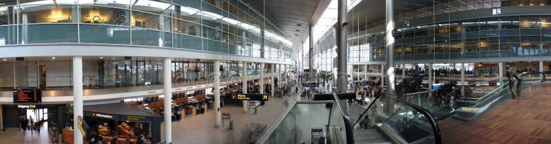 Panorama: Kopenhagen-Flughafen lizenzfreie stockfotografie