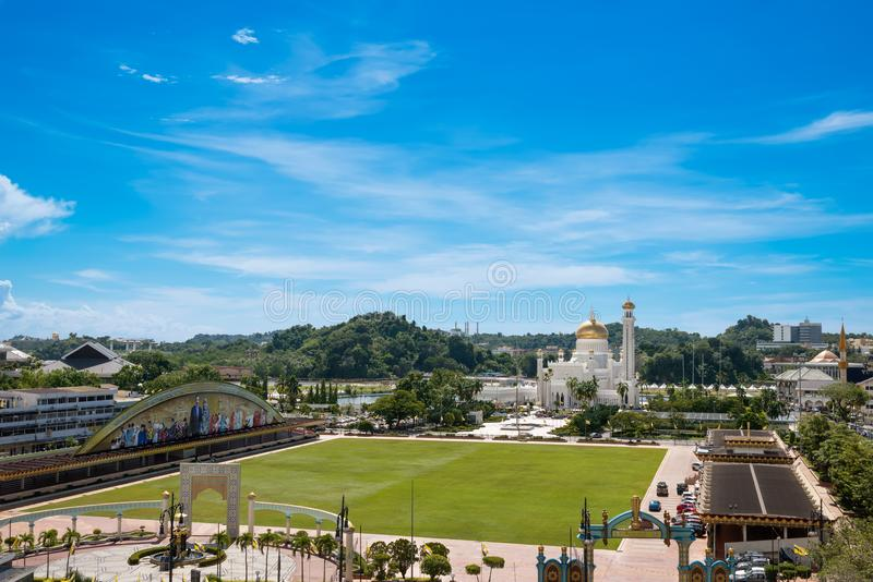 Panorama a la ciudad Bandar Seri Begawan en Brunei Darussalam imagen de archivo