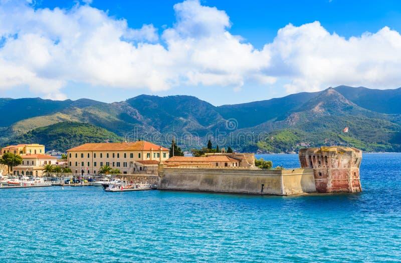 Panorama- landskap för Elba ö, Italien royaltyfri fotografi