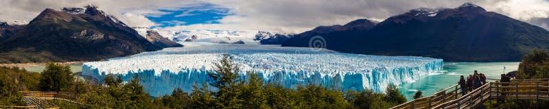 Panorama- landskap för Perito Moreno glaciär i Patagonia, Argentin arkivbild
