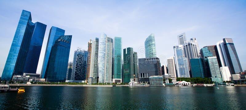 Panorama largo de Singapore. imagem de stock royalty free