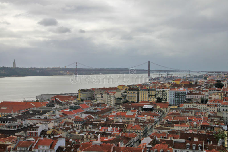 Download Panorama Lissabon arkivfoto. Bild av huvud, turism, lopp - 37345808