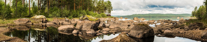 Panorama Ljugaren jezioro w Szwecja fotografia stock