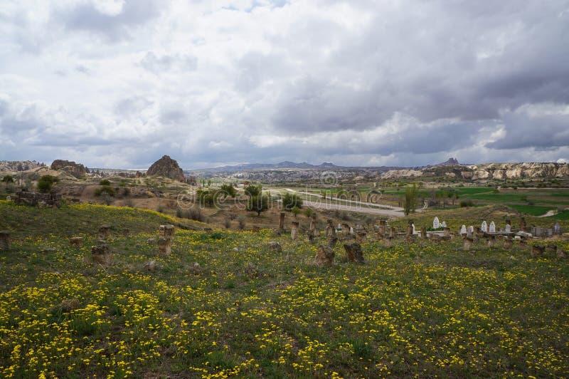 Panorama met oude moslimbegraafplaats in Cappadocia royalty-vrije stock foto's