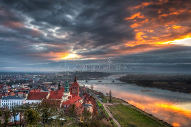 Panorama miasta Grudziadz z Wieży Klimek o zachodzie słońca, Polska fotografia royalty free