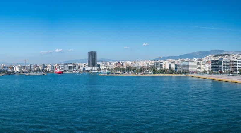 Panorama miasto w porcie Piraeus blisko Ateny obrazy royalty free