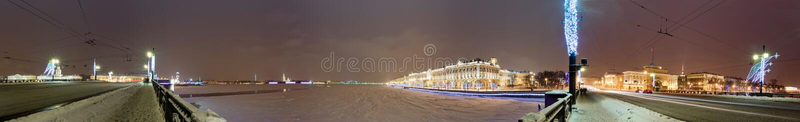 Panorama mit Winter-Palast stockbild