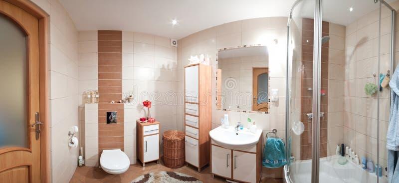 Panorama moderno della stanza da bagno fotografia stock
