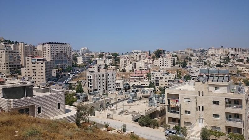 Panorama moderno do Jerusalém Arquitetura do apartamento e dos prédios de escritórios no Jerusalém santamente do ciity fotos de stock