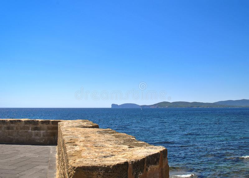 Panorama morze od ramparts Alghero obraz royalty free