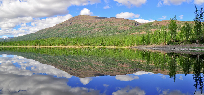 Panorama mountain lakes on the Putorana plateau. royalty free stock photography