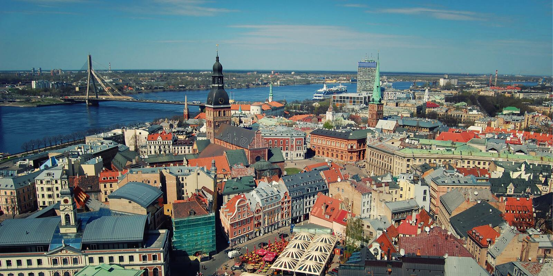 Panorama nad Ryskim od St Peter kościół - stonowany skutek Latvian republika, Europa fotografia stock