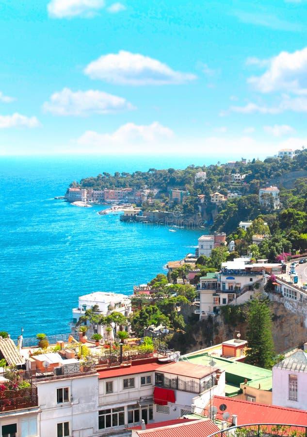 Panorama Naples i morze śródziemnomorskie zdjęcie stock