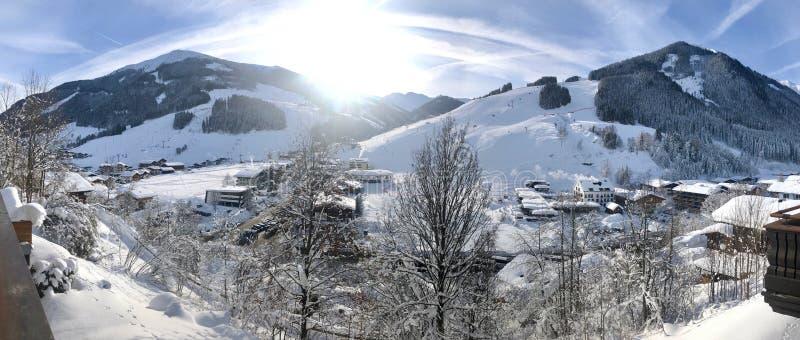 Panorama narciarstwo teren Saalbach-Hinterglemm fotografia stock