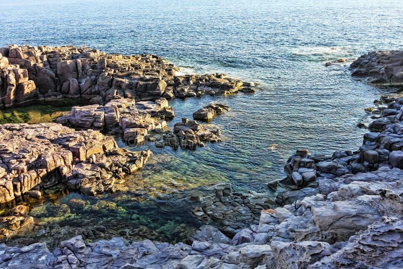 Panorama nell'isola della La Conca - di San Pietro s fotografie stock libere da diritti