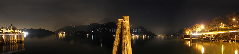 Panorama notturno nel lago Erbaspagna (Swit fotografia stock