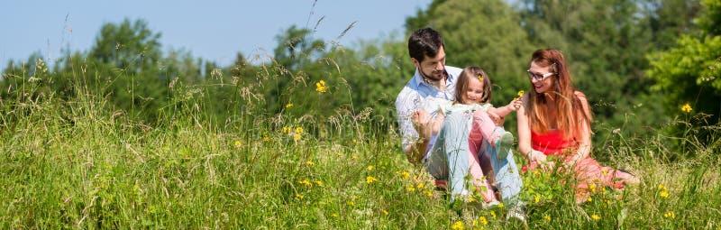 Panorama obrazek rodzina z mamą, tata i córką, obraz royalty free