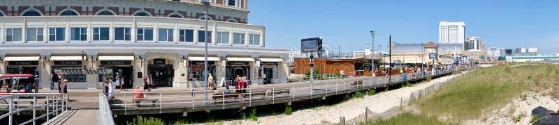 Panorama ocupado del paseo marítimo de Atlantic City fotos de archivo libres de regalías