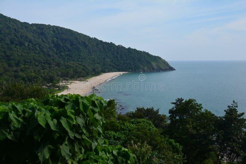 Panorama op een strand Koh Lanta Island in Thailand stock afbeeldingen