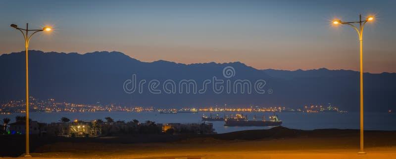 Panorama op het Rode Overzees en de vrachtschepen royalty-vrije stock afbeeldingen