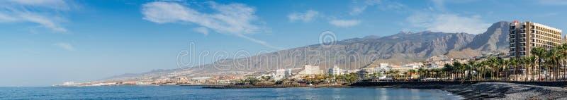 Panorama op kustlijn van Costa Adeje-toevlucht, Tenerife stock foto's