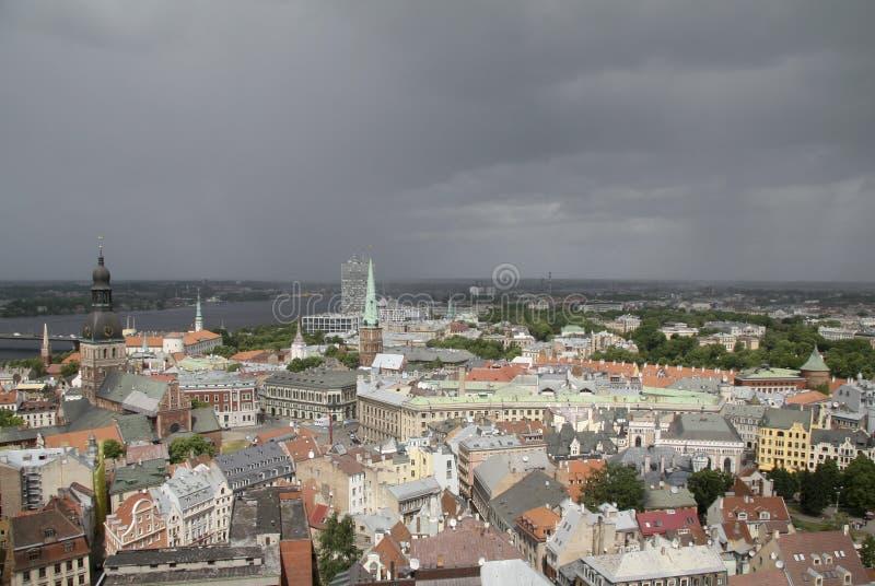 Panorama op Riga, Hoofdstad van Letland stock afbeeldingen