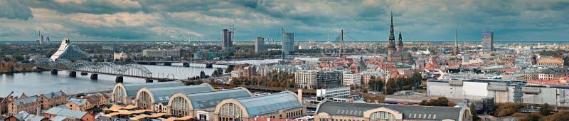 Panorama op Riga, Letland royalty-vrije stock fotografie