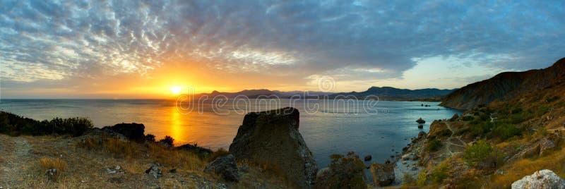 Panorama orange de coucher du soleil images libres de droits