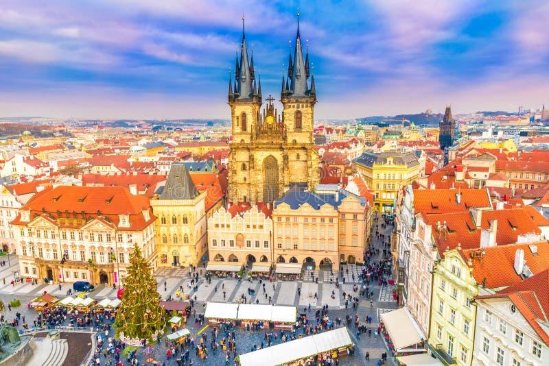 Panorama, Oud stadsvierkant in Praag in Christmass-tijd, Tsjechische Republiek stock foto's