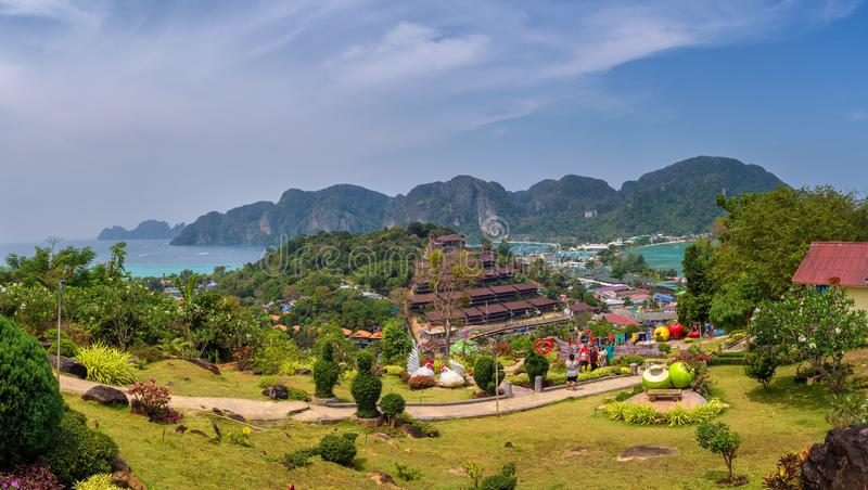 Panorama over Koh Phi Phi Island in Thailand royalty-vrije stock foto