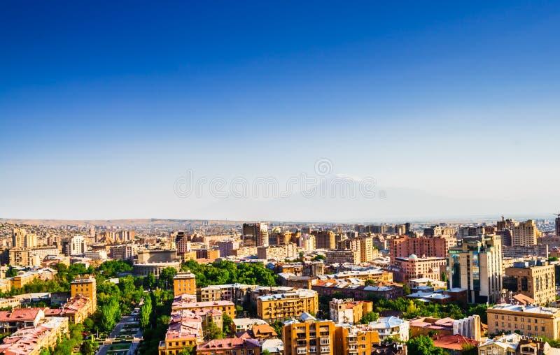 Panorama over Yerevan Stad, mening met majestueuze Ararat-berg, Armenië royalty-vrije stock afbeeldingen