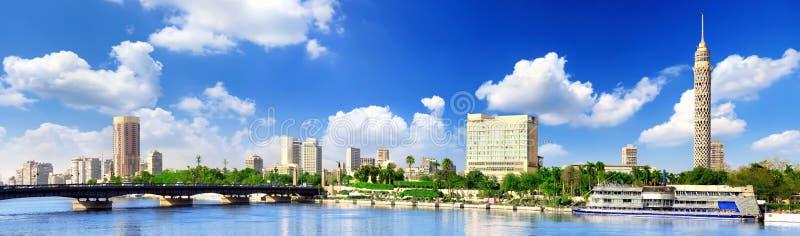 Panorama på Cairo, seafront av Nile River. arkivfoto