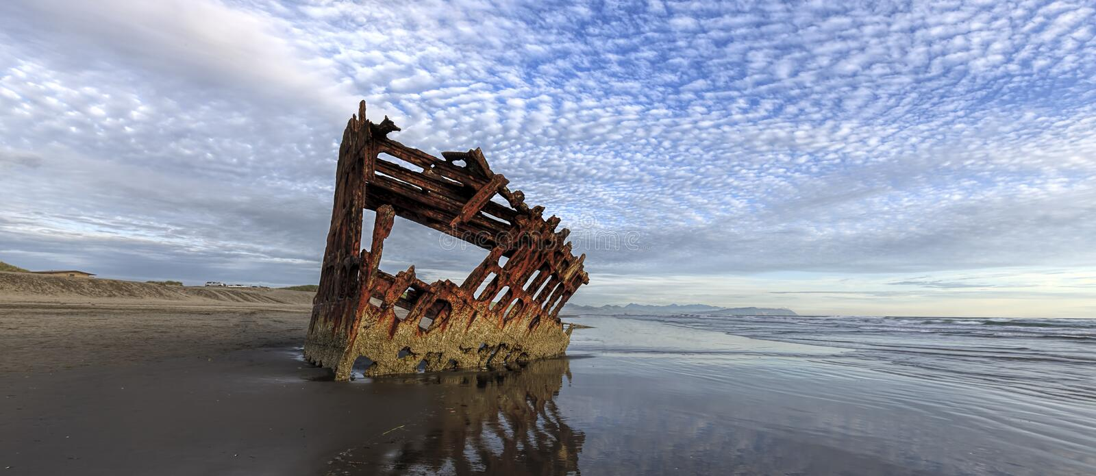 Panorama of Peter Iredale shipwreck in Oregon. stock images