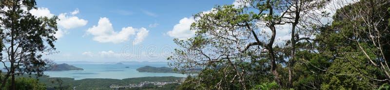 Panorama Phuket, Tajlandia, widok od małpiego wzgórza, tropikalny wyspa archipelag zdjęcie stock