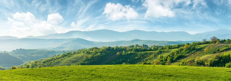 Panorama piękna wieś Romania zdjęcia royalty free