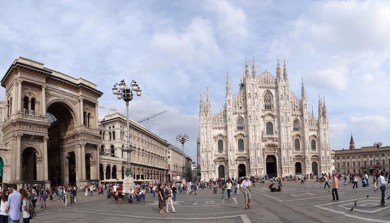 Panorama piazza Del Duomo, Mediolan, Włochy obrazy stock