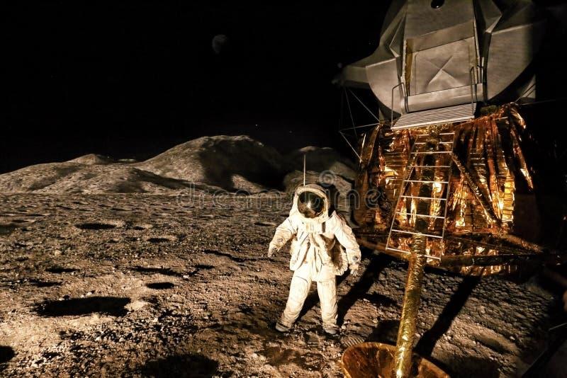 Panorama pierwszy mężczyzna na księżyc lądowaniu zdjęcia stock