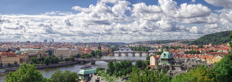 Panorama Praga, rzeka i mosty, zdjęcie royalty free