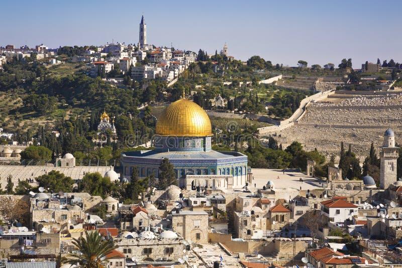 Panorama przegapia Starego miasto Jerozolima, Izrael, wliczając kopuły skała obraz stock
