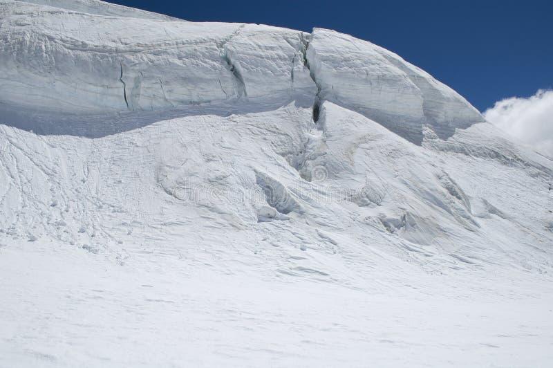 Panorama que sube en el glaciar fotos de archivo