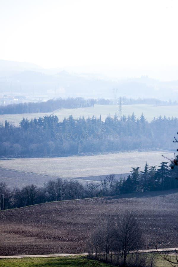 Panorama que vous pouvez voir d'une colline image libre de droits