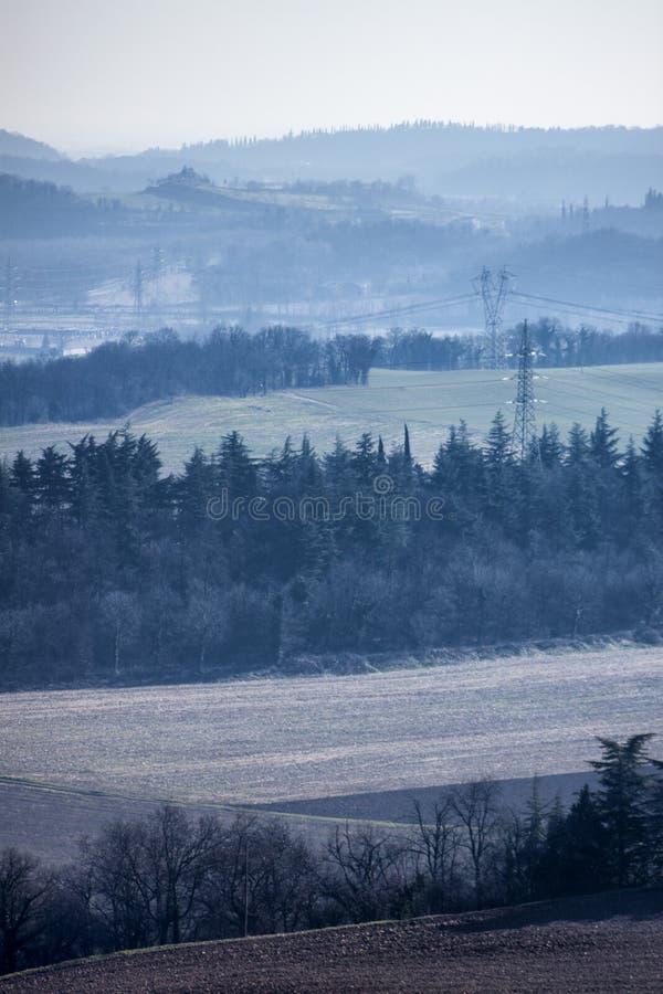Panorama que vous pouvez voir d'une colline images libres de droits