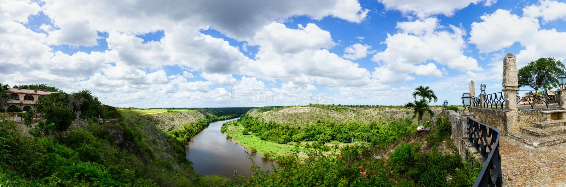 Panorama - río de Chavon fotografía de archivo