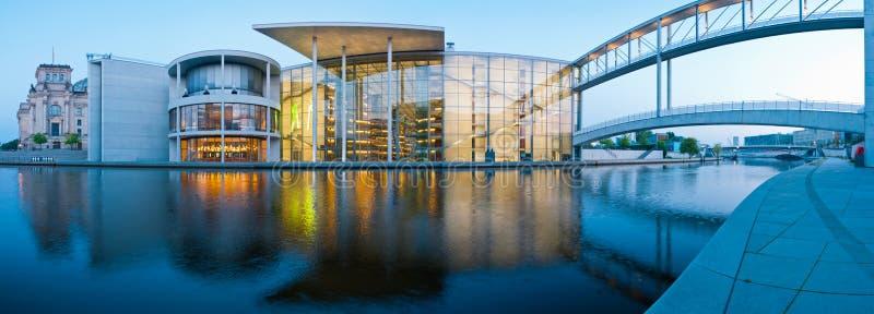 Panorama Reichstagufer de Berlim imagem de stock royalty free