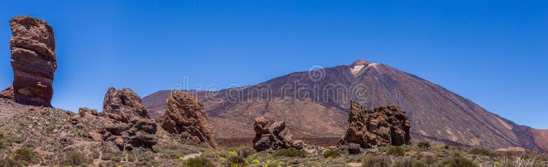 Panorama rocas del ` s del soporte Teide y de GarcÃa, parque nacional de Teide, Tenerife, islas Canarias, España foto de archivo