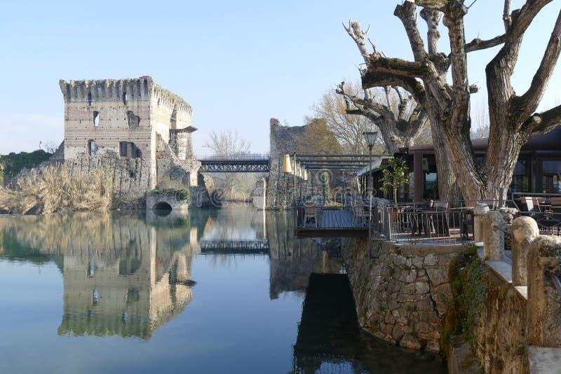 """Panorama romano del puente del †de Borghetto """" fotografía de archivo libre de regalías"""